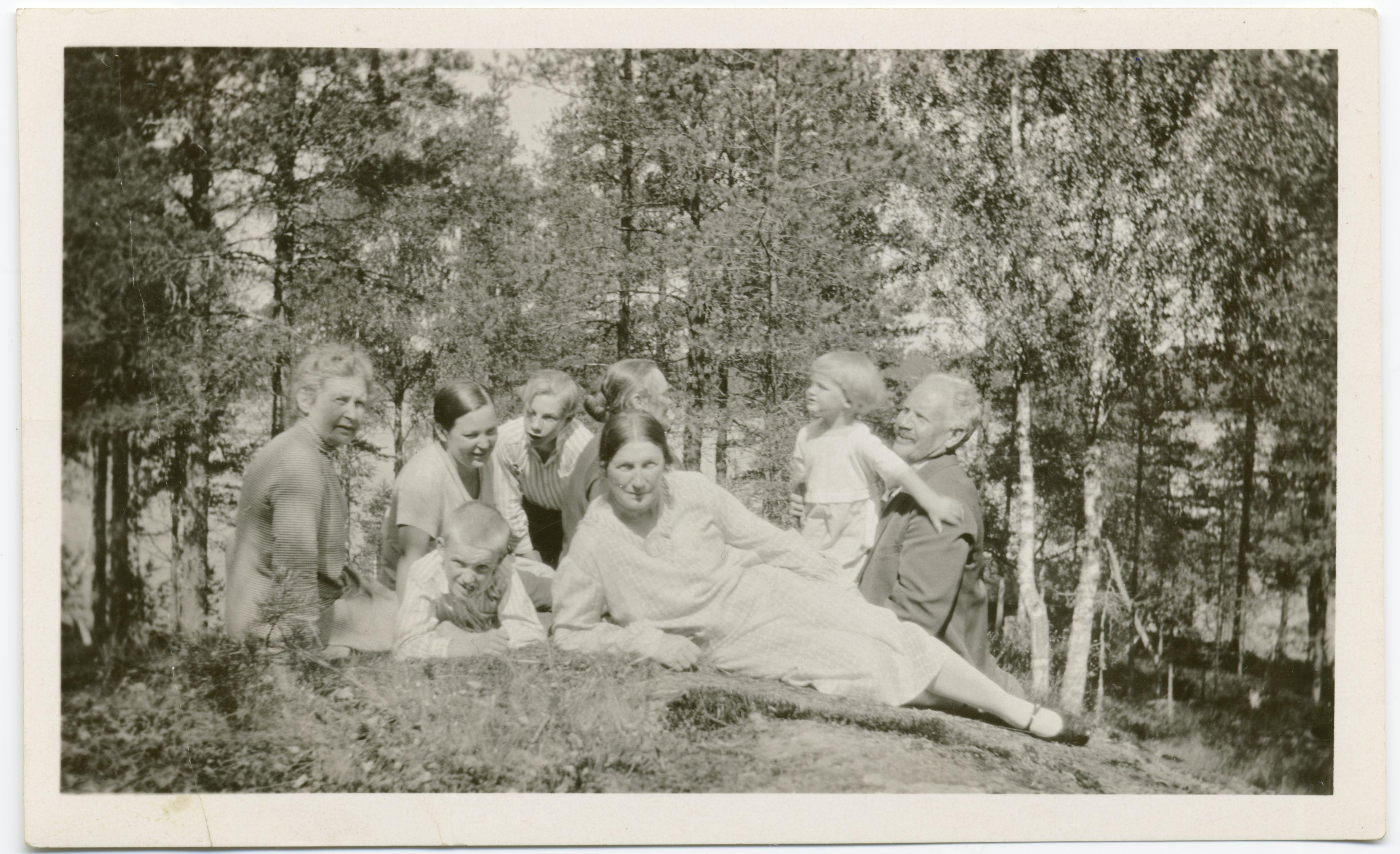 SKS KIA. Elsa Heporaudan arkisto.