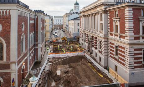 SKS:n arkisto- ja kirjastomakasiinien rakennustyömaa v. 2020. Kuva: Tea Åvall, SKS.