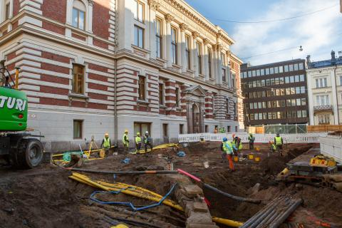 Arkeologiset kaivaukset SKS:n makasiinityömaalla Hallituskadulla Helsingissä vuonna 2020. Kuva: Tea Åvall, SKS.